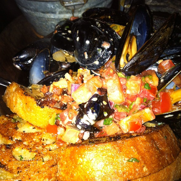 """Angry"" Mussels @ Ford's Fish Shack"