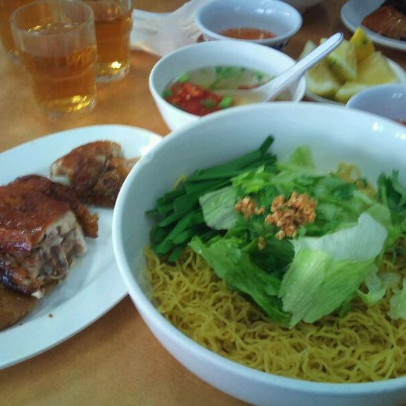 Criskin Chicken with Dry Egg Noodle @ Tan Viet Noodle House