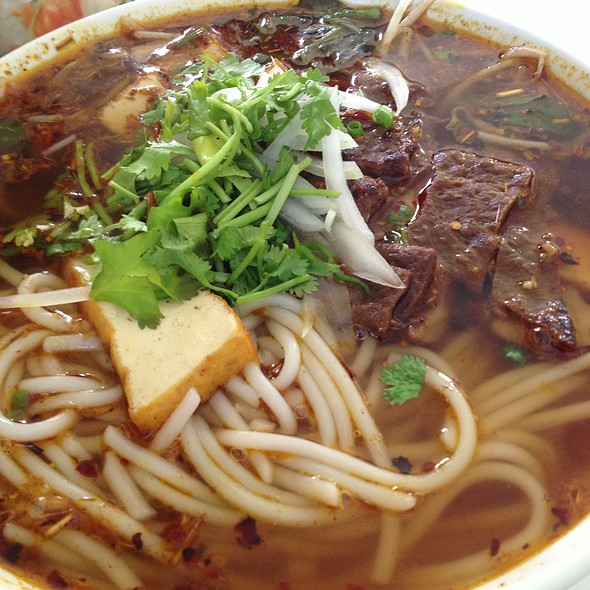 Vegan Bun Hue @ Loving Hut