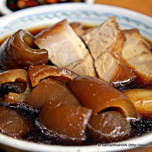 Braised Pork Belly and Pig's Skin @ Hua Mei Ah Bee Bak Kut Teh 华美亞B肉骨茶