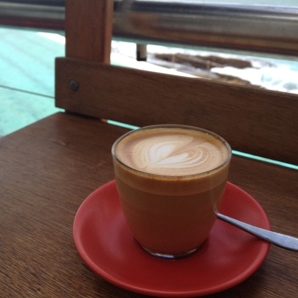 Cafe Latte @ The Crabbe Hole