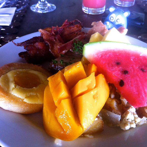 Breakfast Buffet @ Amorita Resort