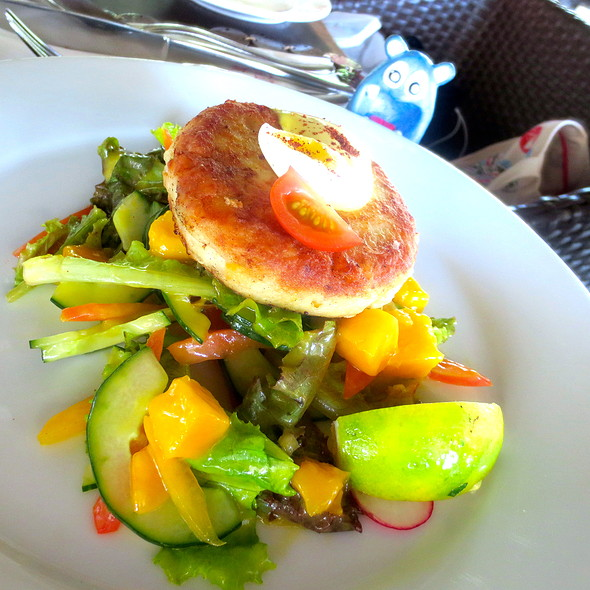 crab cake @ Amorita Resort