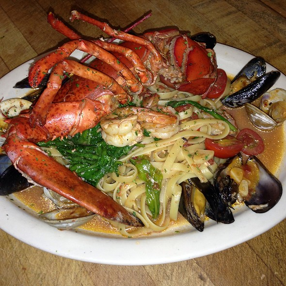 Lobster Special - Fellini Cafe: Newtown Square, Newtown Square, PA