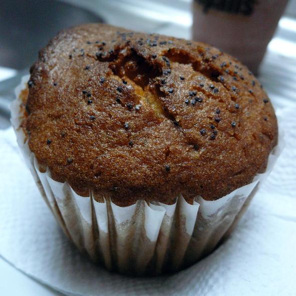Lemon Poppyseed Muffin @ Cafe Entrepans