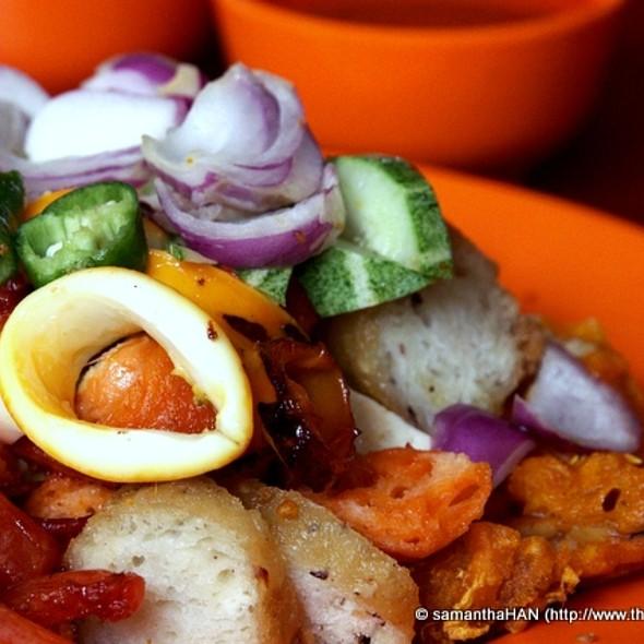 Indian Rojak @ Albert Complex Food Centre