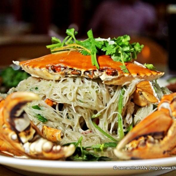 Fried Crab Beehoon @ 83 Seafood Restaurant