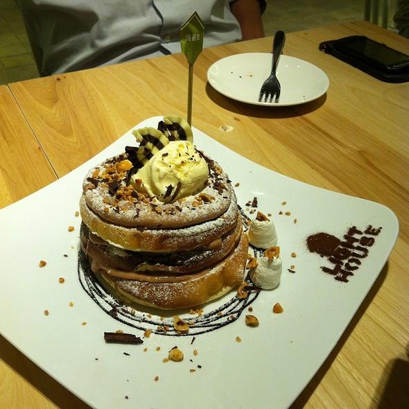 Pancake Tart With Peanut Sauce @ 曉確幸Lighthouse