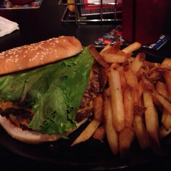 Double Cheeseburger @ Emil's Hideaway