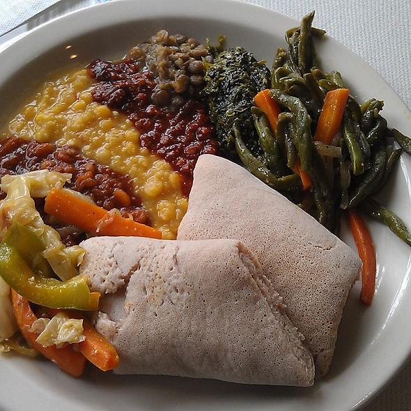 Vegetarian Lunch Buffet @ Zemeta