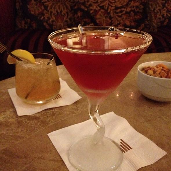 Moon Over Manhattan - Nix / Martini Bar - Knickerbocker Hotel, Chicago, IL