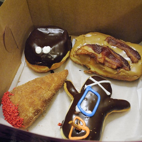 Doughnuts @ Voodoo Donuts