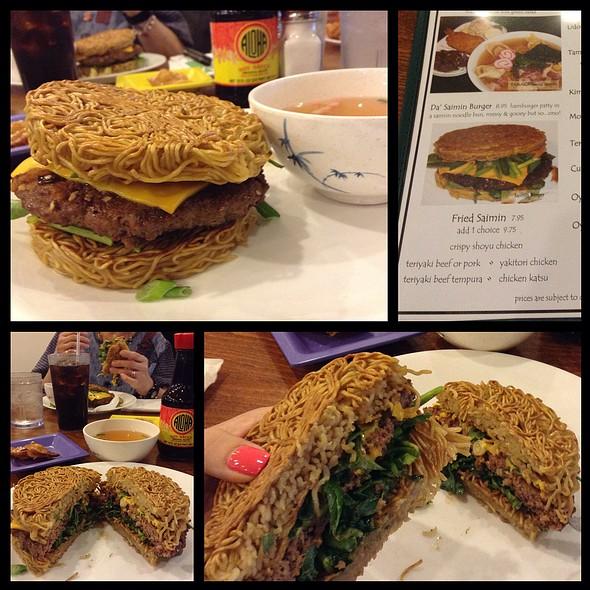 Saimin Burger @ Tanaka Saimin