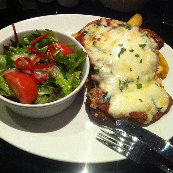 Chicken Parmigiana @ Star Bar & Grill
