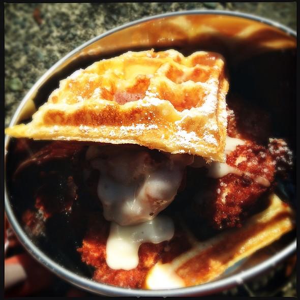 Chicken and Waffles @ Yolk's Breakfast