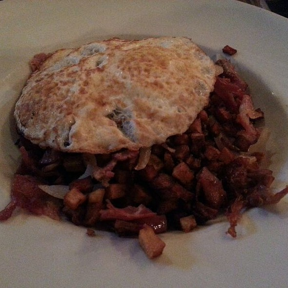 Corned Beef Hash @ 5 Seasons Brewing