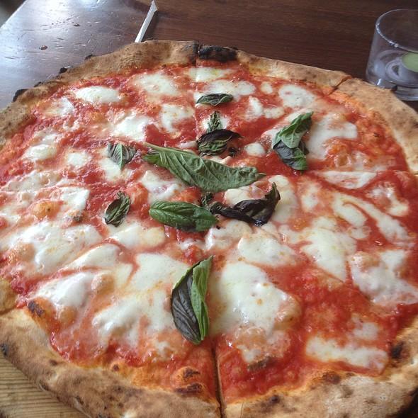 Margherita STG Pizza Napoletana @ Sapori Di Napoli