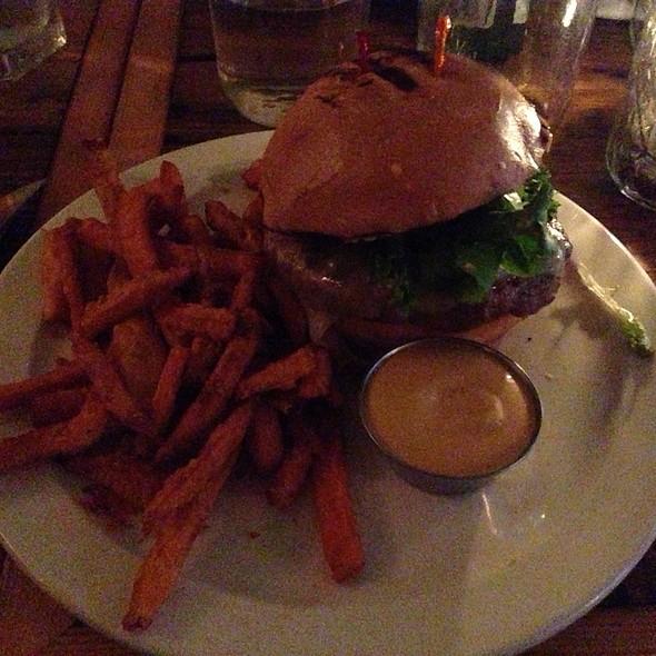 Classicburger @ Midtown Eats