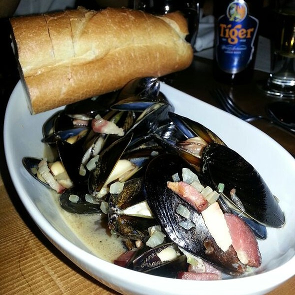 Mussels - The Fat Cow and Oyster Bar, Langley, BC