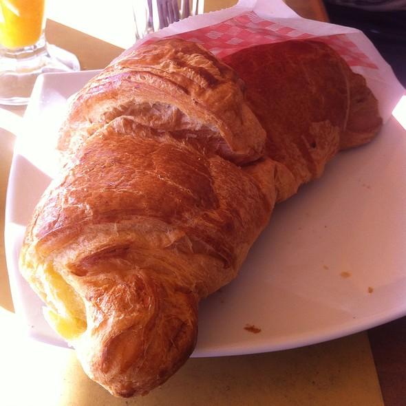 Butter Croissant @ Βασιλάκης