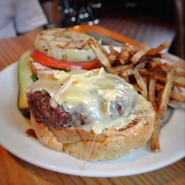 Pub Burger @ Prohibition Taproom