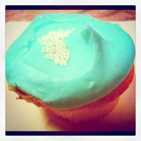 Vanilla Sunrise Cupcake @ Cupcakes by Sonja
