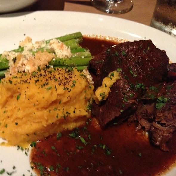 Guanciale Di Manzo Alla'birra (Braised Beef)