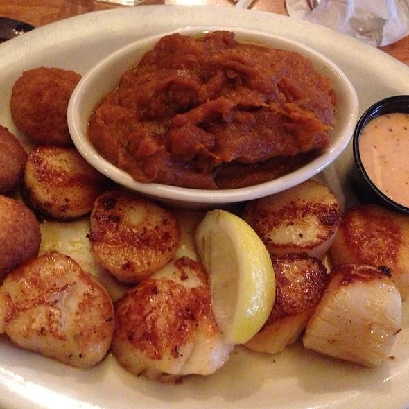 Scallops @ Boundary House Restaurant