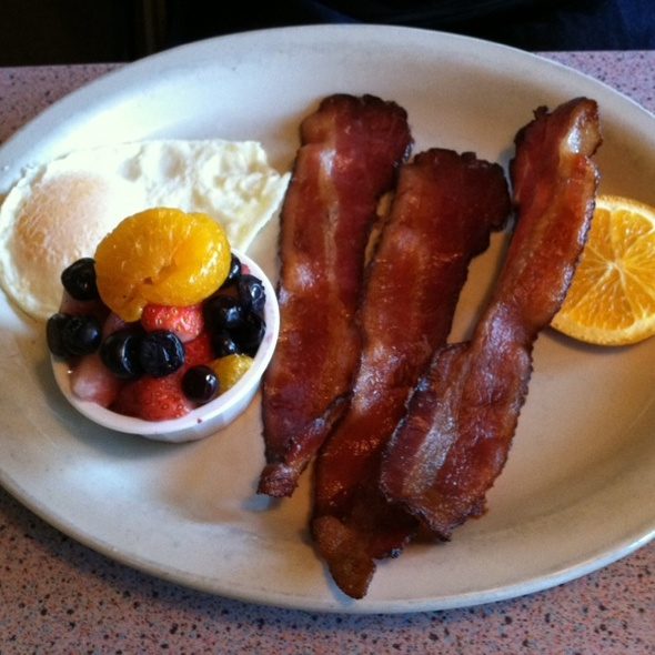 Eggs, Bacon, Fruit @ Bluebird Cafe