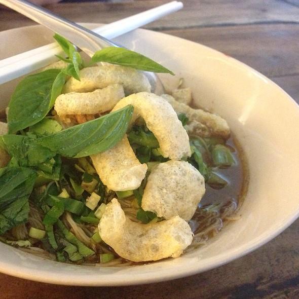ก๋วยเตี๋ยวเรือหมู   Pork Boat Noodle Soup @ ร.เรือ   Boat Noodles (Food For Thought)