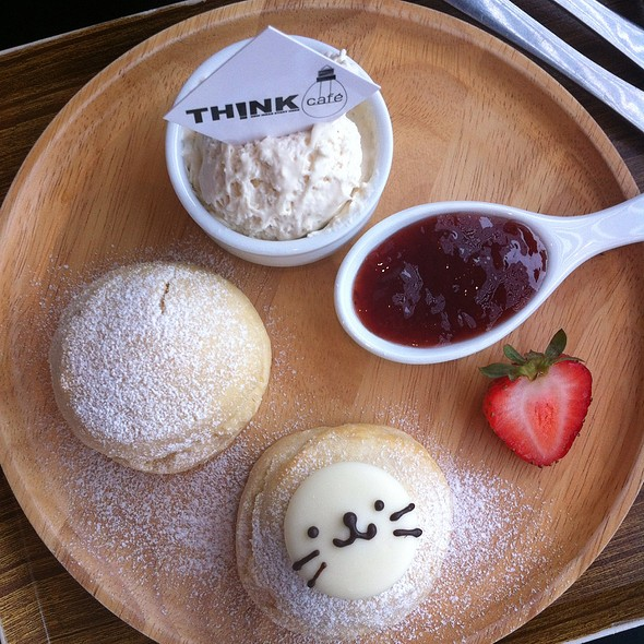 Scone @ Think Cafe