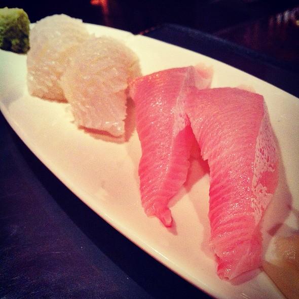 Ika & Hamachi Nigiri @ Sushi ii