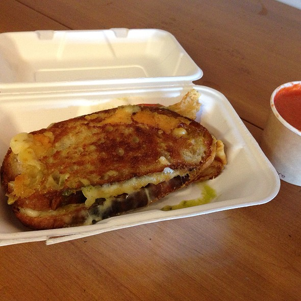 Grilled Cheese With Pesto And Tomato @ Caseus Cheese Truck