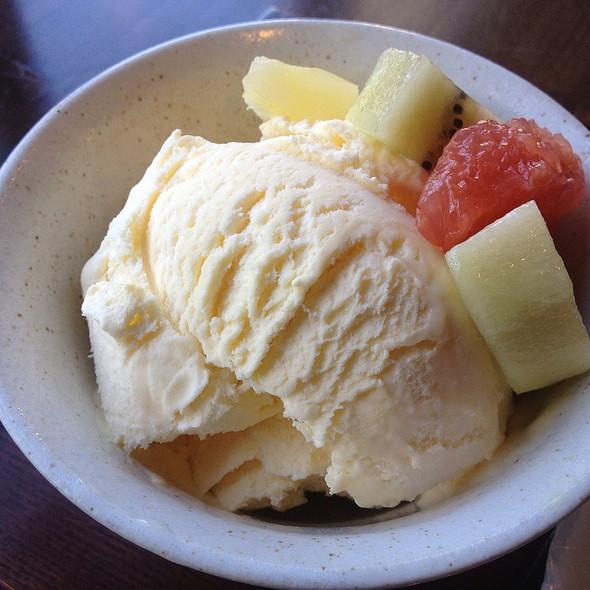Vanilla Icecream @ Kawaguchi