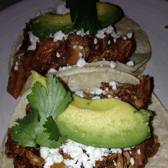 Chicken Tinga Tacos - Va de Vi Bistro & Wine Bar, Walnut Creek, CA