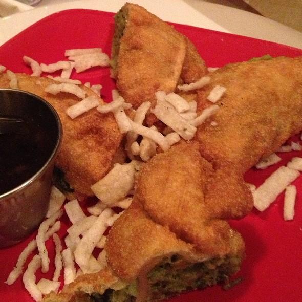 avocado egg rolls @ Uno Chicago Grill