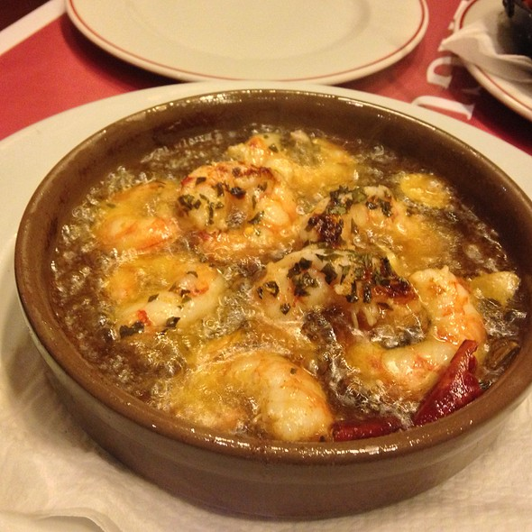 Gambas Al Ajillo ( Prawns In Sizzling Garlic Oil )