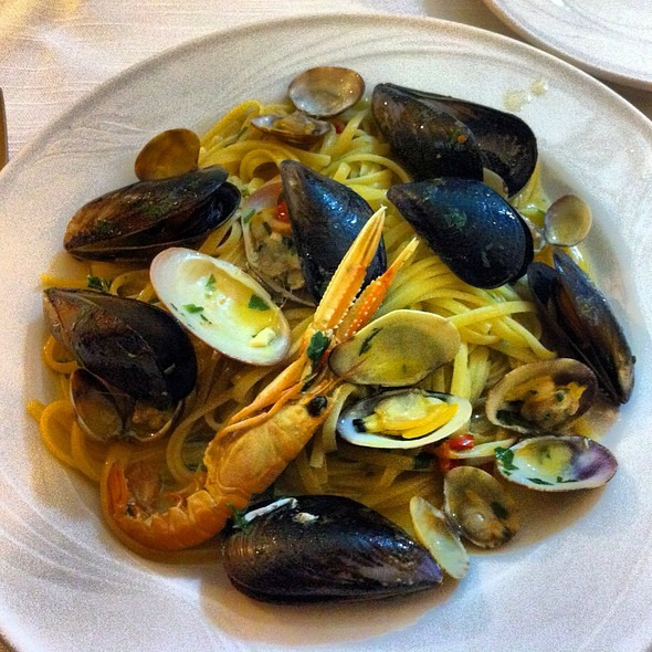 Linguine With Seafood @ Pizzeria Vecchia Napoli