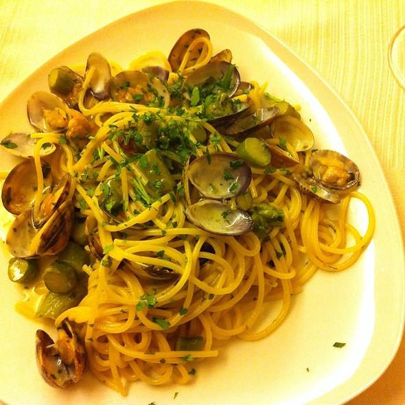 Spaghetti Vong @ Il Tunnel Snc