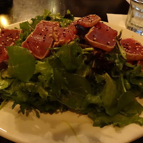 Miso Ahi Tuna Salad
