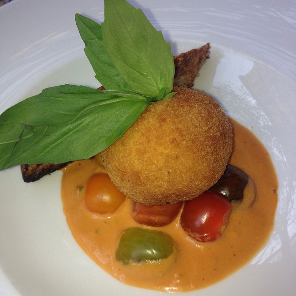 Crispy Buffalo Mozzarella & Tomato - Sant Ambroeus - West Village, New York, NY