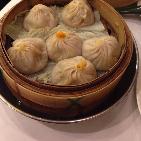 Soup Dumplings @ Joe's Shanghai