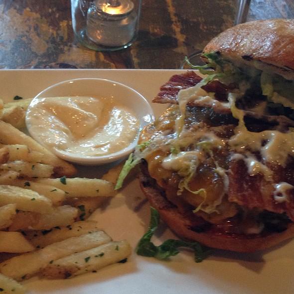 Bacon burger @ Marlowe