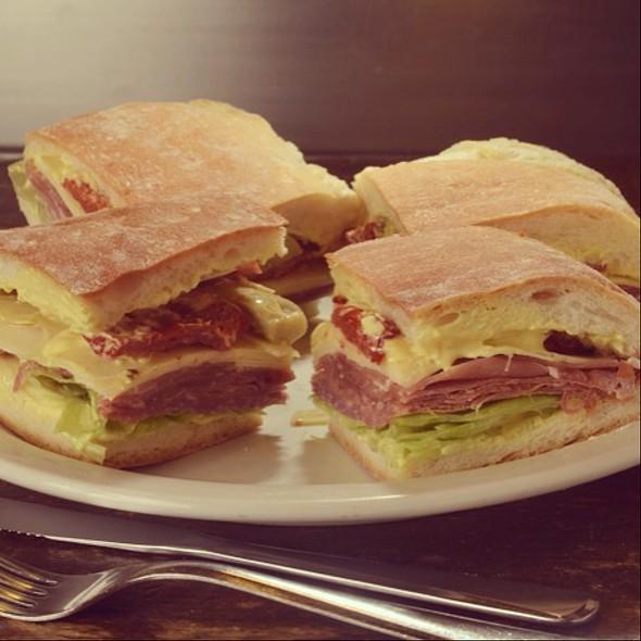 Sanduíche @ Spazio Gastronômico-Itaim Bibi