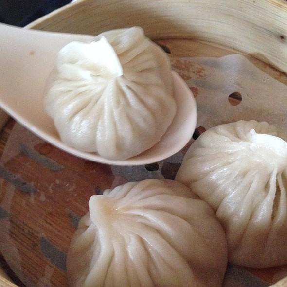 Xiao Long Bao @ P.F. Chang's Bgc
