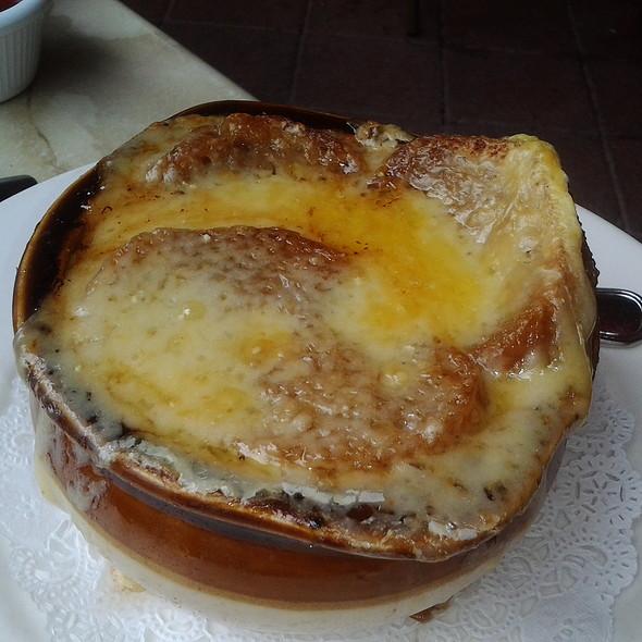 French Onion Soup - Pistache French Bistro, West Palm Beach, FL