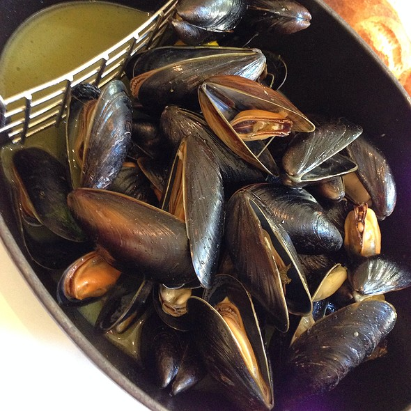 Moules Frites (Mussels And Fries)