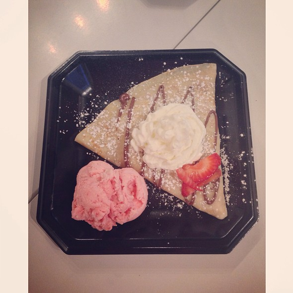 Strawberry Crepes Strawberry Ice Cream