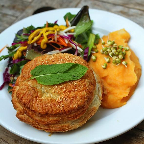 Creamy vegetable pie with sweet potato & coconut mash @ Me and Art - Sydney