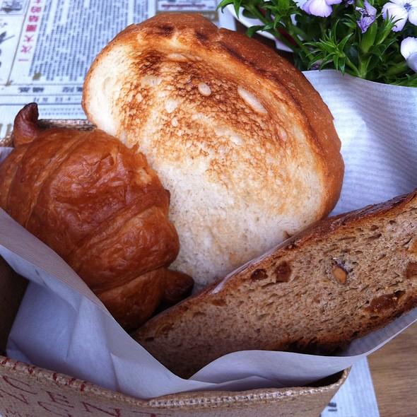 Bread @ Karmakamet Dinner